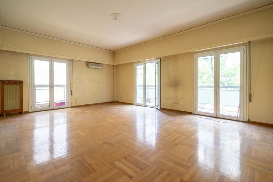 2 Bedroom Apartment in Kypseli Athens