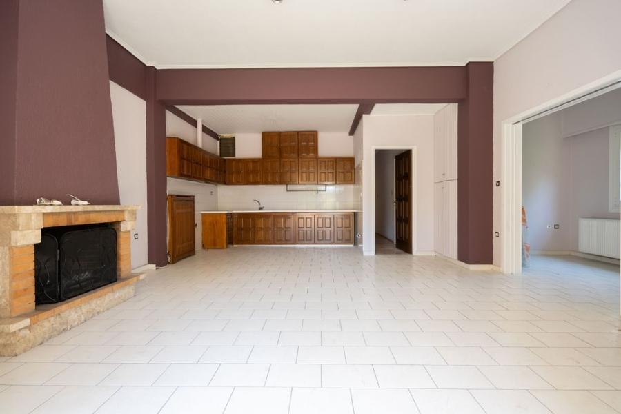 2 Bedroom Apartment in Marousi Athens