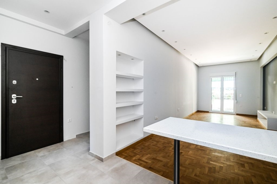2 Bedroom Apartment in Amerikis Square Athens